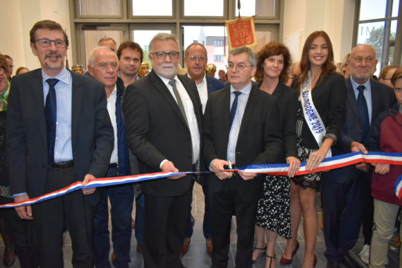 Coupage du ruban d'inauguration